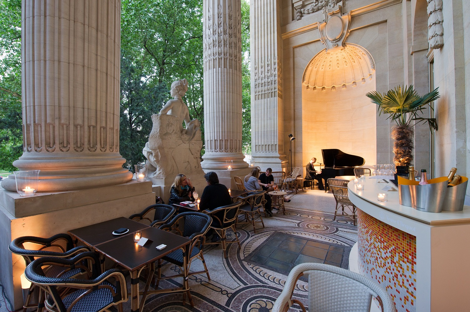 The best romantic restaurants in paris elope in paris for Restaurant avec jardin terrasse paris