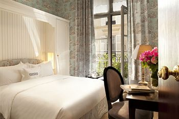The best romantic hotels in paris elopements and small for Small intimate hotels
