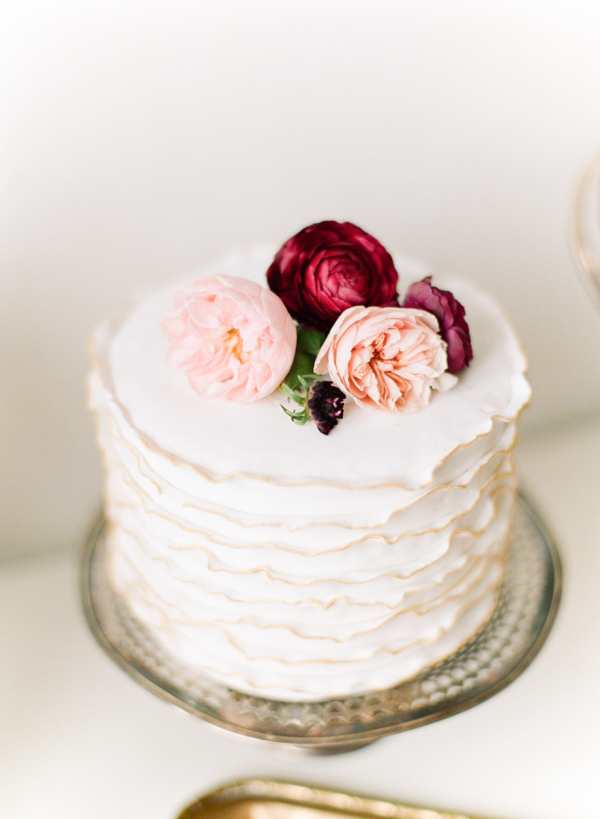 small wedding cakes for intimate ceremonies elopements and small weddings in paris. Black Bedroom Furniture Sets. Home Design Ideas