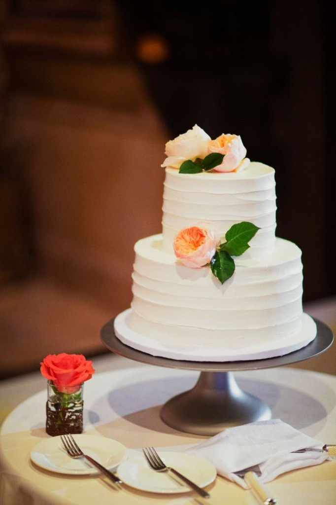 meaning behind feeding wedding cake small wedding cakes for intimate ceremonies 187 elopements 17236
