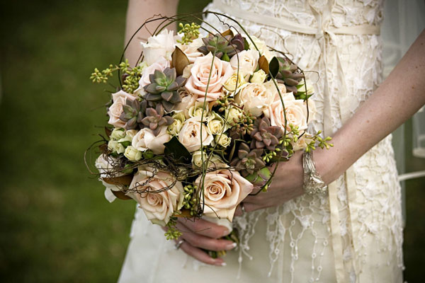 Flower fridays vintage bouquets elopements and small for Antique rose wedding dress
